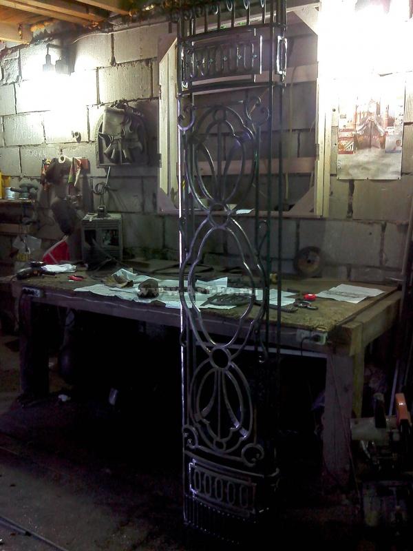 Кованная колонна. Моменты изготовления и сборки.