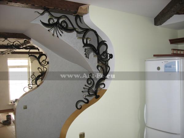 Кованые панно на лестницу, декоративные элементы