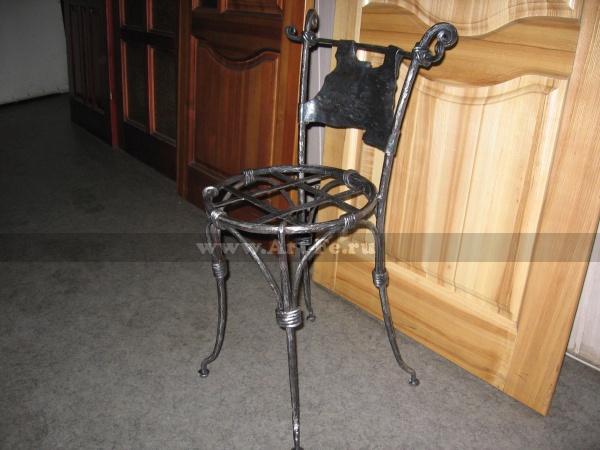Кованая мебель, кованый стул в авторском стиле