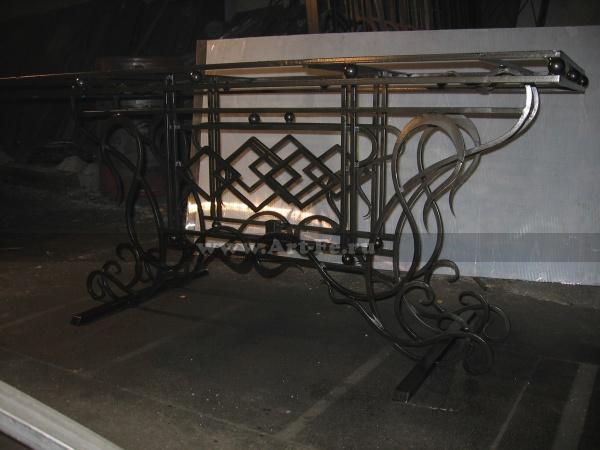 Садовая мебель, кованый стол под деревянную столешницу