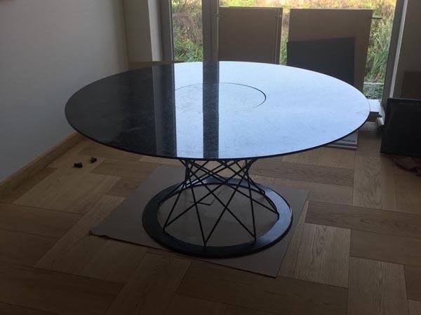 Круглый столик в стиле КОНСТРУКТИВИЗМ