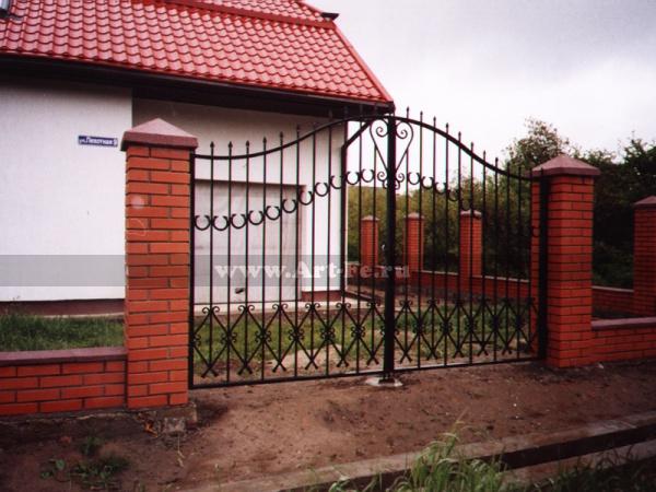 Простые распашные ворота