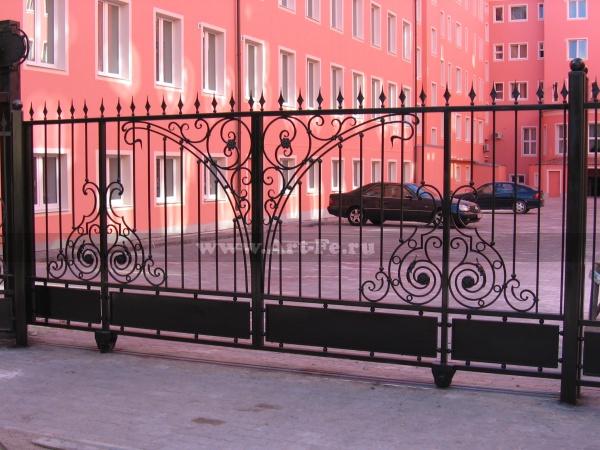Откатные кованые ворота, Гостиница Москва, Калининград