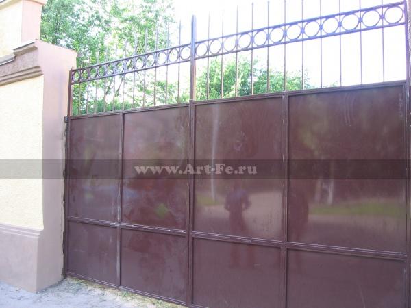 Железные ворота фото